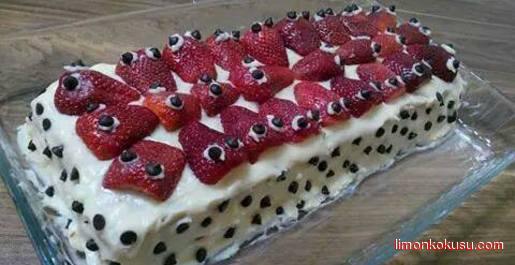 Çilekli Baton Pasta Tarifi