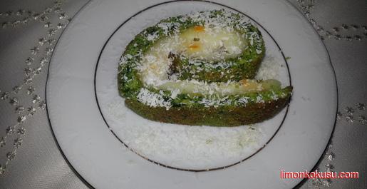 Ispanaklı Muzlu Rulo Pasta Tarifi