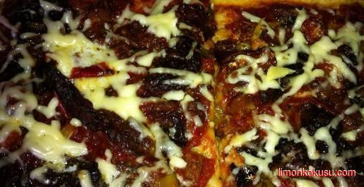 Karışık Pizza Tarifi