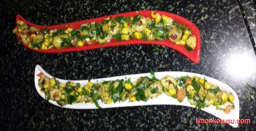 Biberli Yeşil Zeytin Salatası Tarifi