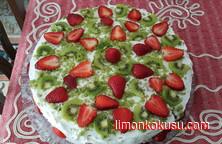 Çilekli Bahar Pastası Tarifi